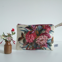 Large purse or cosmetics bag in vintage 1980's floral chintz.