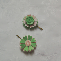 Felt flower, hair accessories, pink, green, hand stitched