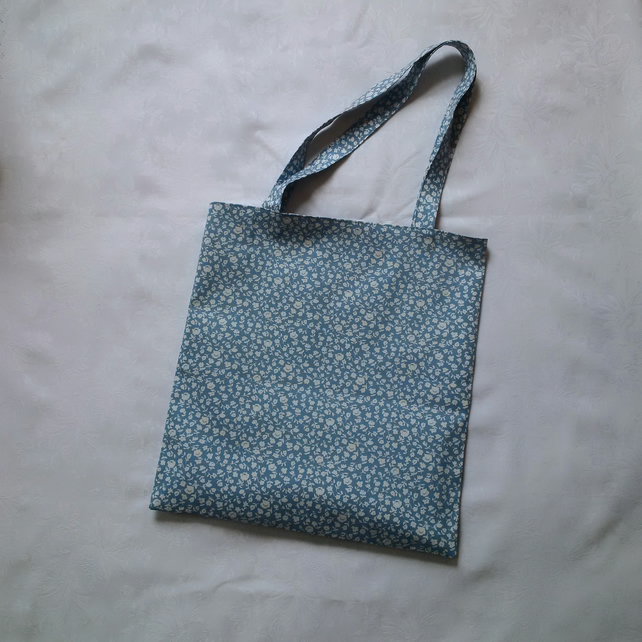 beach bag, shopping, holiday, book bag, blue, white, cotton fabric, birthday