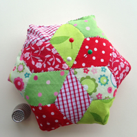 Hexagonal patchwork pincushion