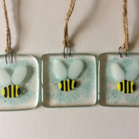 Fused Glass Bumble Bee Small Hanging Decoration Sun Catcher Gift