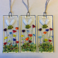 Fused Glass Bumble Bee And Flowers Small Hanging Decoration Sun Catcher Gifts