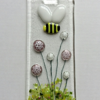 Fused Glass Bumble Bee With Pink & White Flowers Decoration Sun Light Catcher
