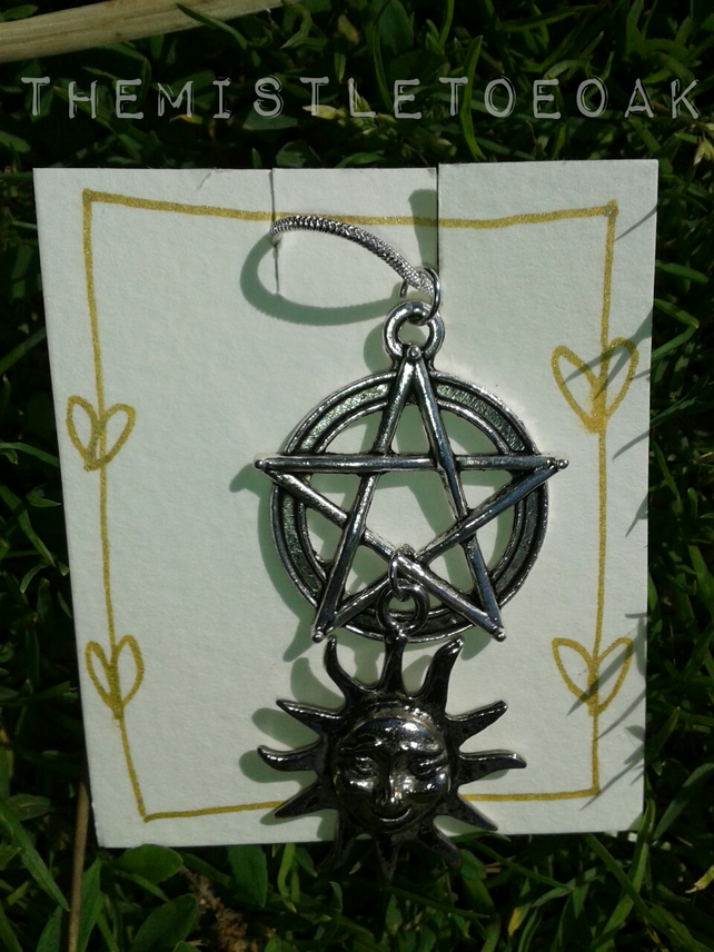 Magical cluster: Pentagram and sun pendant necklace