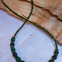 Green moss bead necklace (N37)