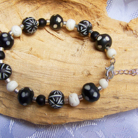 Black and white African style bracelet (B 21)