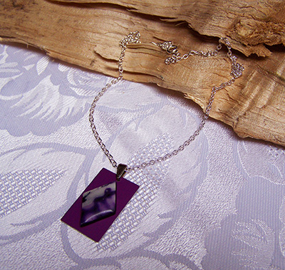 Purple anodized  aluminium pendant (N 89)