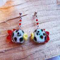 Spotty fish earrings (E14)
