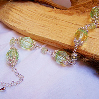 Green and silver filigree bead bracelet (B 26)