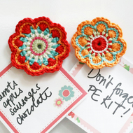 Crochet flower magnets - pack of 2. 'Maisy'