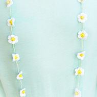 Crochet daisy flower necklace. 'Betsy'