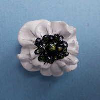 WHITE Clay PEACE POPPY BROOCH REMEMBRANCE Lapel Flower Pin HANDMADE HAND PAINTED