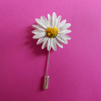 Delicate 3D WHITE LAWN DAISY PIN Wedding Lapel Pin Flower Brooch HAND PAINTED