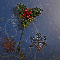 Christmas HOLLY & BERRIES PIN Bronze Tone Filigree Lapel HANDMADE HAND PAINTED
