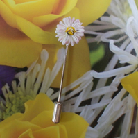 TINY Delicate White MARGUERITE DAISY PIN Wedding Lapel Pin Flower HAND PAINTED