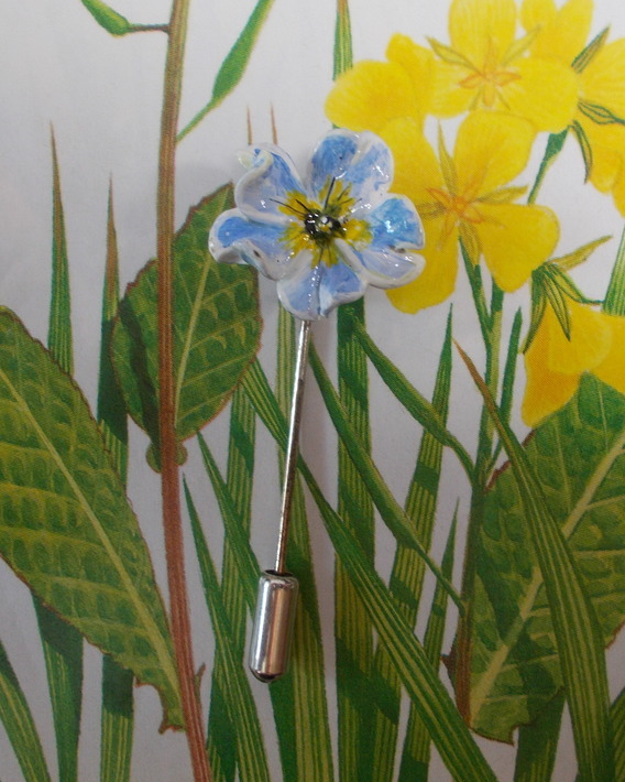 Small Pale Blue POLYANTHA- PRIMULA PIN Lapel Flower Brooch HANDMADE HANDPAINTED