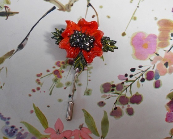 Unique Red FIELD POPPY PIN Remembrance Lapel Flower Brooch HANDMADE HAND PAINTED