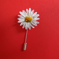 WHITE DAISY PIN Marguerite Daisy Brooch White Wedding Daisy Lapel HAND PAINTED