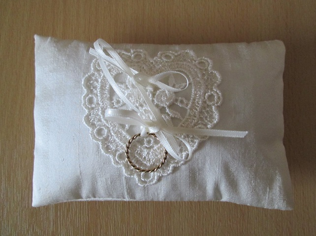 SALE - Mini Ring Cushion