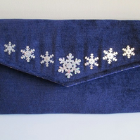 SALE - Christmas Handbag - Snowflake Envelope Clutch