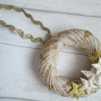 "SALE - 6"" Small Wicker Wreath - Gold and Cream Stars"