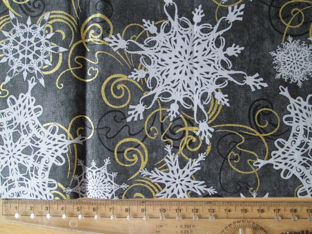 Fat Quarter - Snowflakes and Scrolls on Black