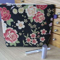 Vintage Style Floral Print Zip Top Bag, Make Up Bag, Storage Bag