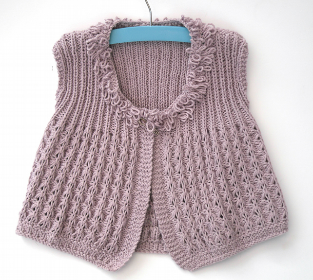 Knitting pattern for girls summer loopy lace top