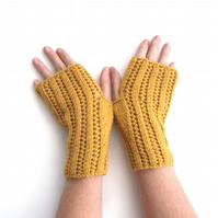 Fingerless gloves in Alpaca & Wool