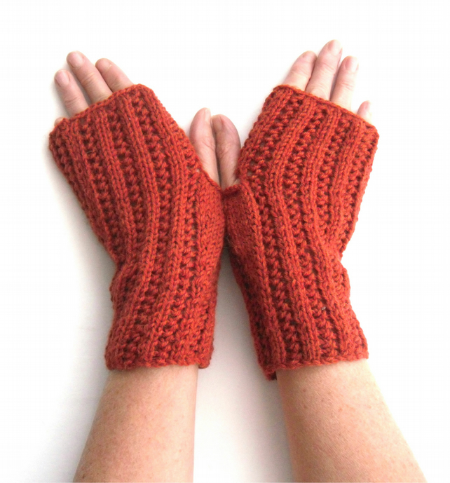 Fingerless gloves Rust colour