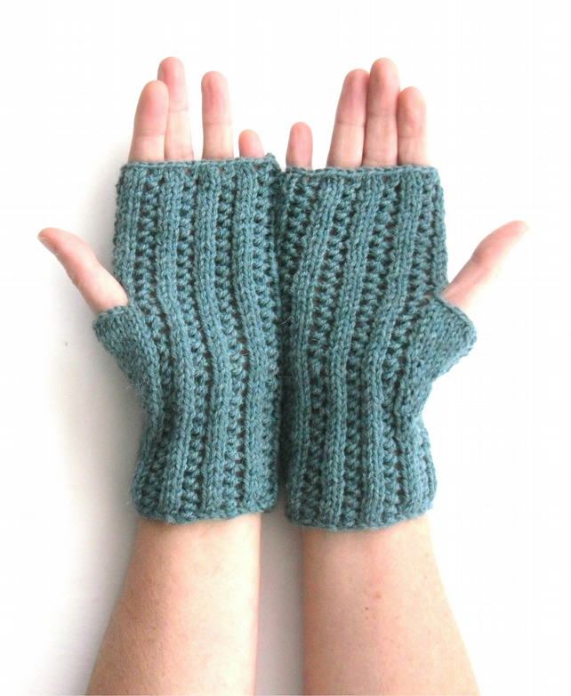 Alpaca fingerless gloves sea green