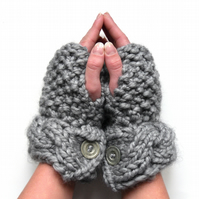 Light grey chunky  alpaca fingerless gloves
