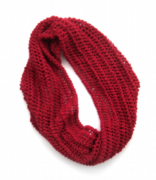 Red Christmas lace Cowl
