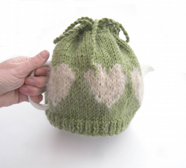 Country kitchen tea cosy