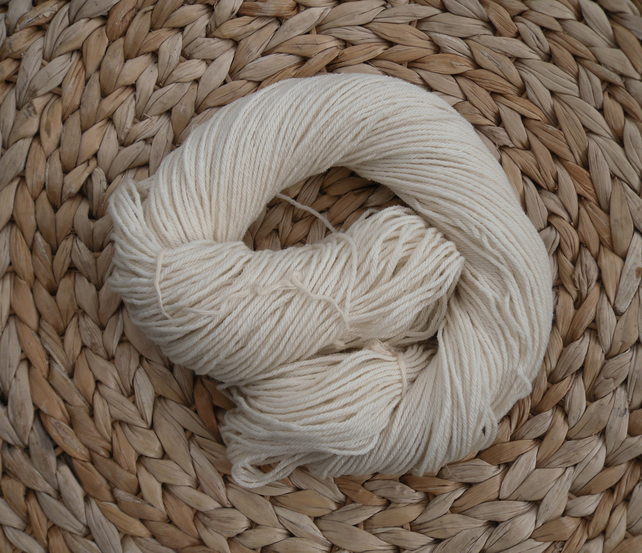 Aran superwash merino yarn , 100% wool ,100 gram hank