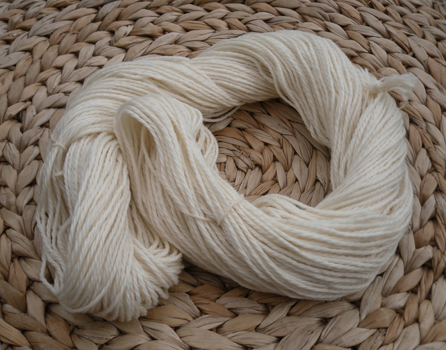 Sustainable merino wool yarn double knit 100 grams
