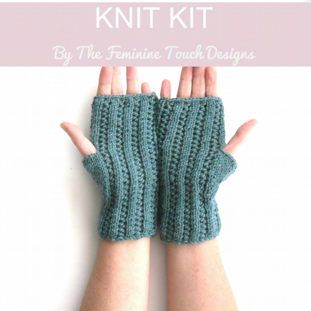 Alpaca Gloves knitting kit