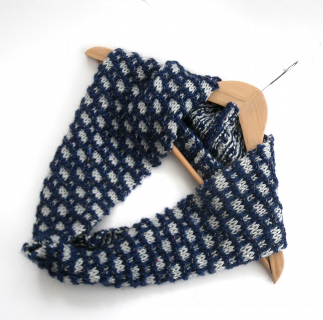 Two coloured textual cowl in blue and silver grey