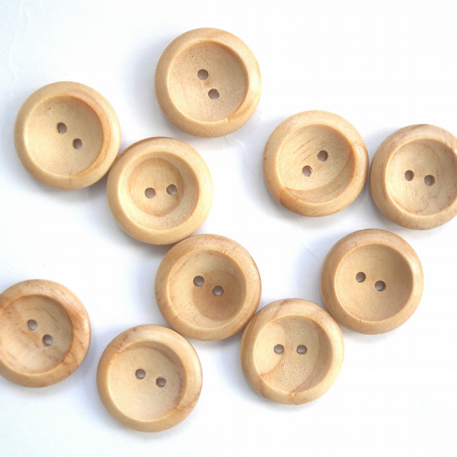 10 medium wooden buttons