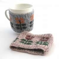 Flower mug hug , hand knit kitchen cosy