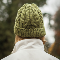 Knitting pattern for cable wool beanie hat