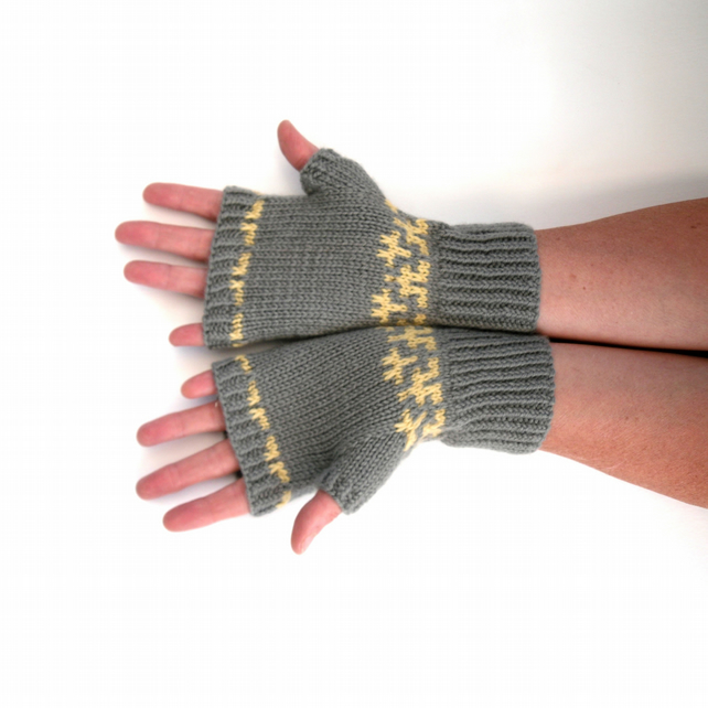 Women's grey fair isle fingerless gloves