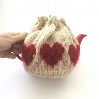 Cream Valentine Tea cosy