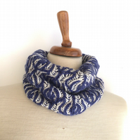Reversible floral wool cowl