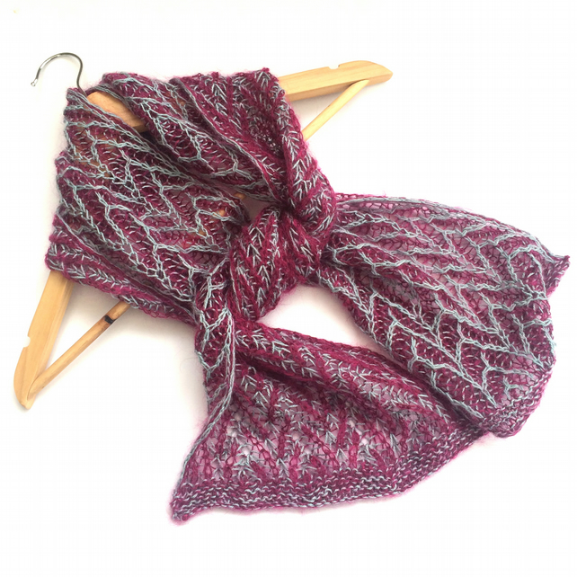 Brioche lace scarf knitted in alpaca and mohair