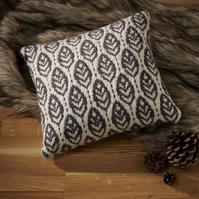 Leaf Cushion Knitting Pattern