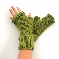 Green fingerless gloves
