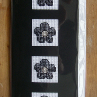 Black Daisy Sympathy Card