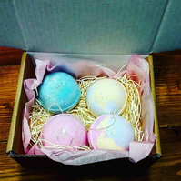 Gift box 4 Bath Bombs You choose which Bath Bombs