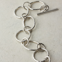 Hammered Silver Chain Bracelet - Large Rings and Ovals